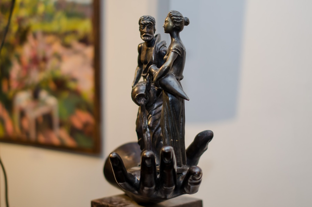 gallery Персональная юбилейная выставка Скульптура г Ростов на Дону 2010 2 Персональная выставка скульптурных работ Залы Российской Академии Художеств г